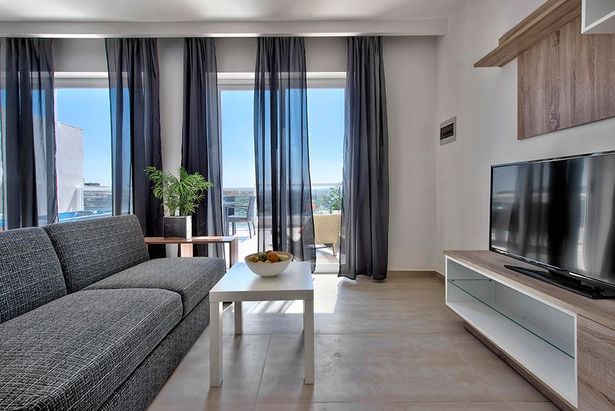 Amazing Views Seafront 3-bedroom penthouse