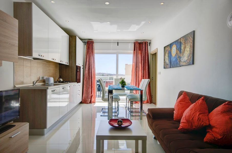 Sundrenched 3-bedroom Penthouse
