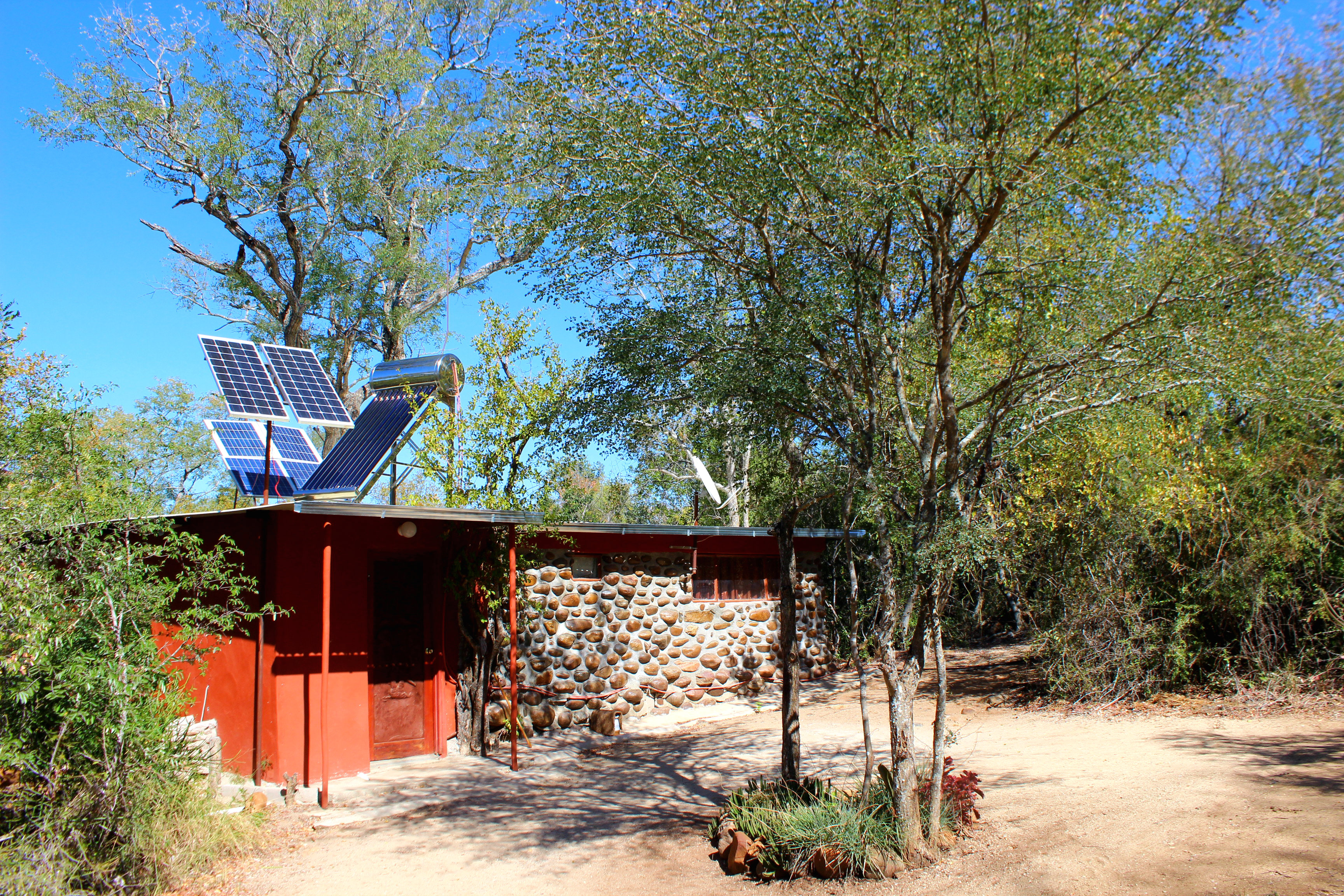 Amanzimlotzi Riverside Bush Camp Hütte in Afrika