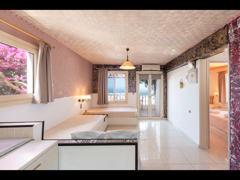 Entire Villa full View 3 bedrooms 3 bathrooms 3 kitchens