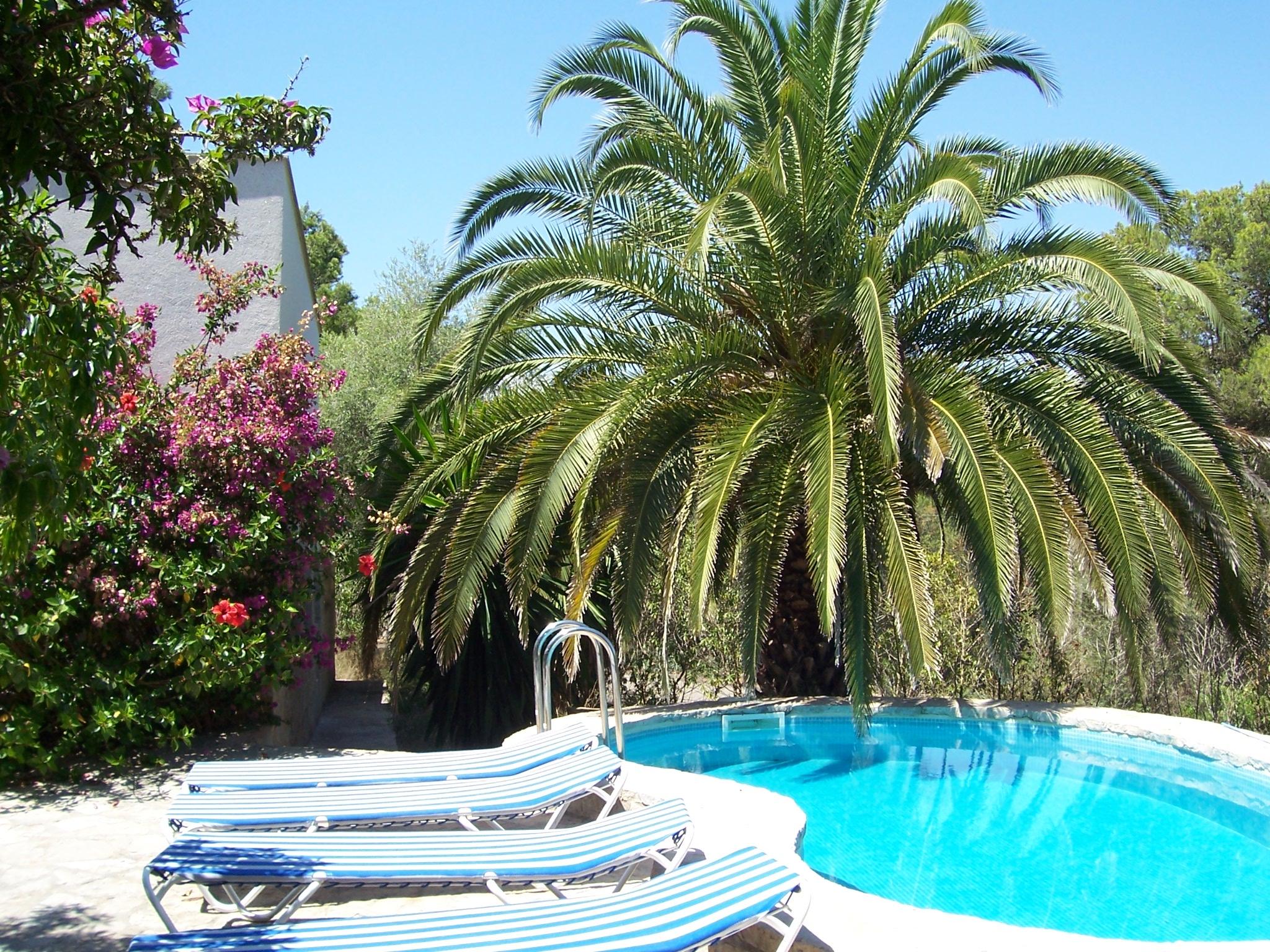 Villa mit Pool und Klimaanlage x4