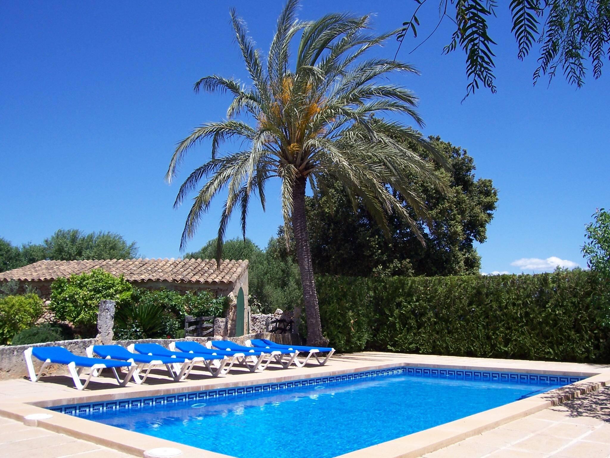 Schones rustikales mallorquinisches Haus mit privatem Pool in Cas Concos