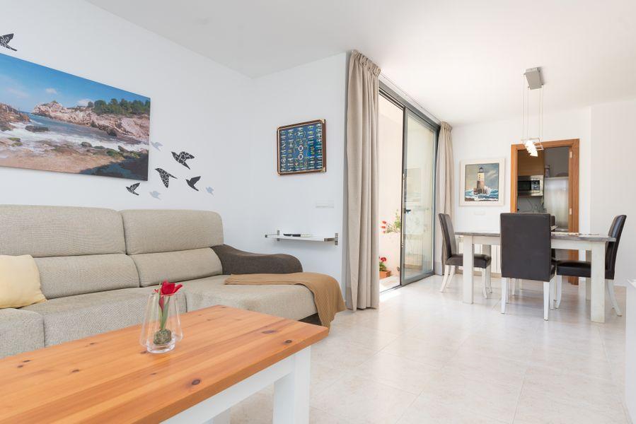 Residencial Llenaire Apartment