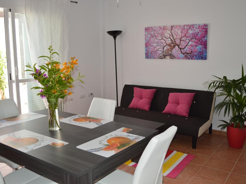 Ground floor apt with kitchenette, private patio, South facing