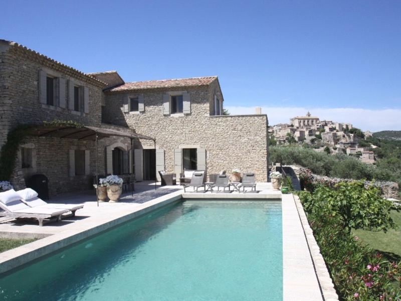La Superbe - Luxury at your fingertips