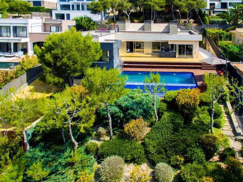 Villa Prestigia With Private Pool And Sea View