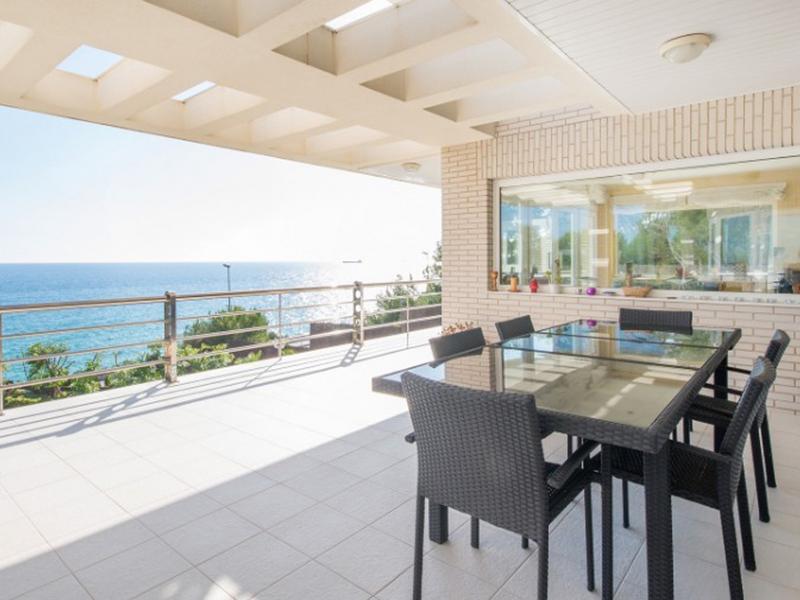 Villa Elegante : Overlook the sea
