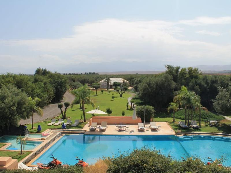 Private Room and B&b - Enchanting estate with swimming pool and jacuzzi