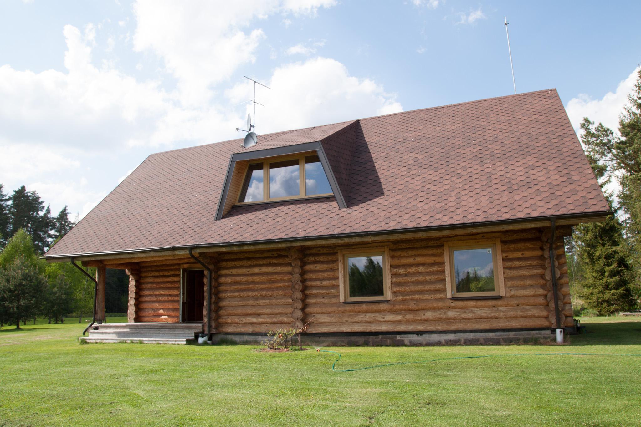 Ferienhaus in der Nahe der Riga die von Waldern umgeben ist