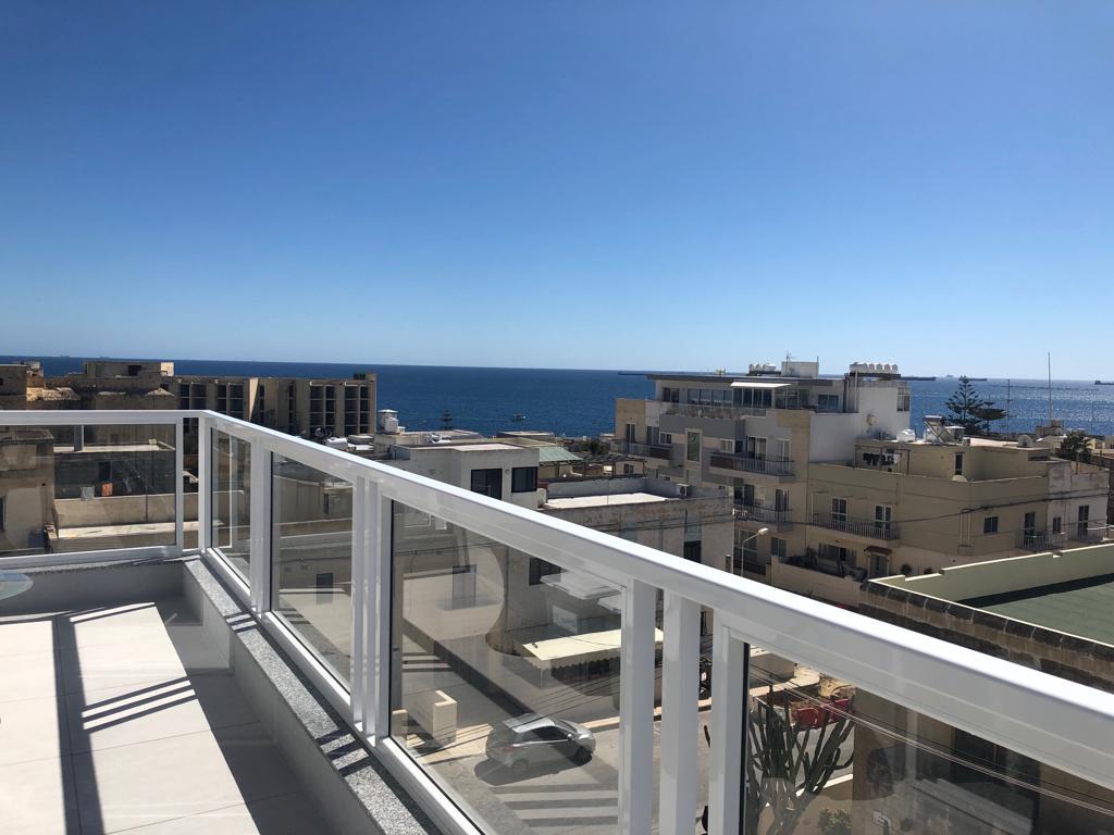 3 Luxus 2 Bett Apartment mit Meerblick in Strandnahe