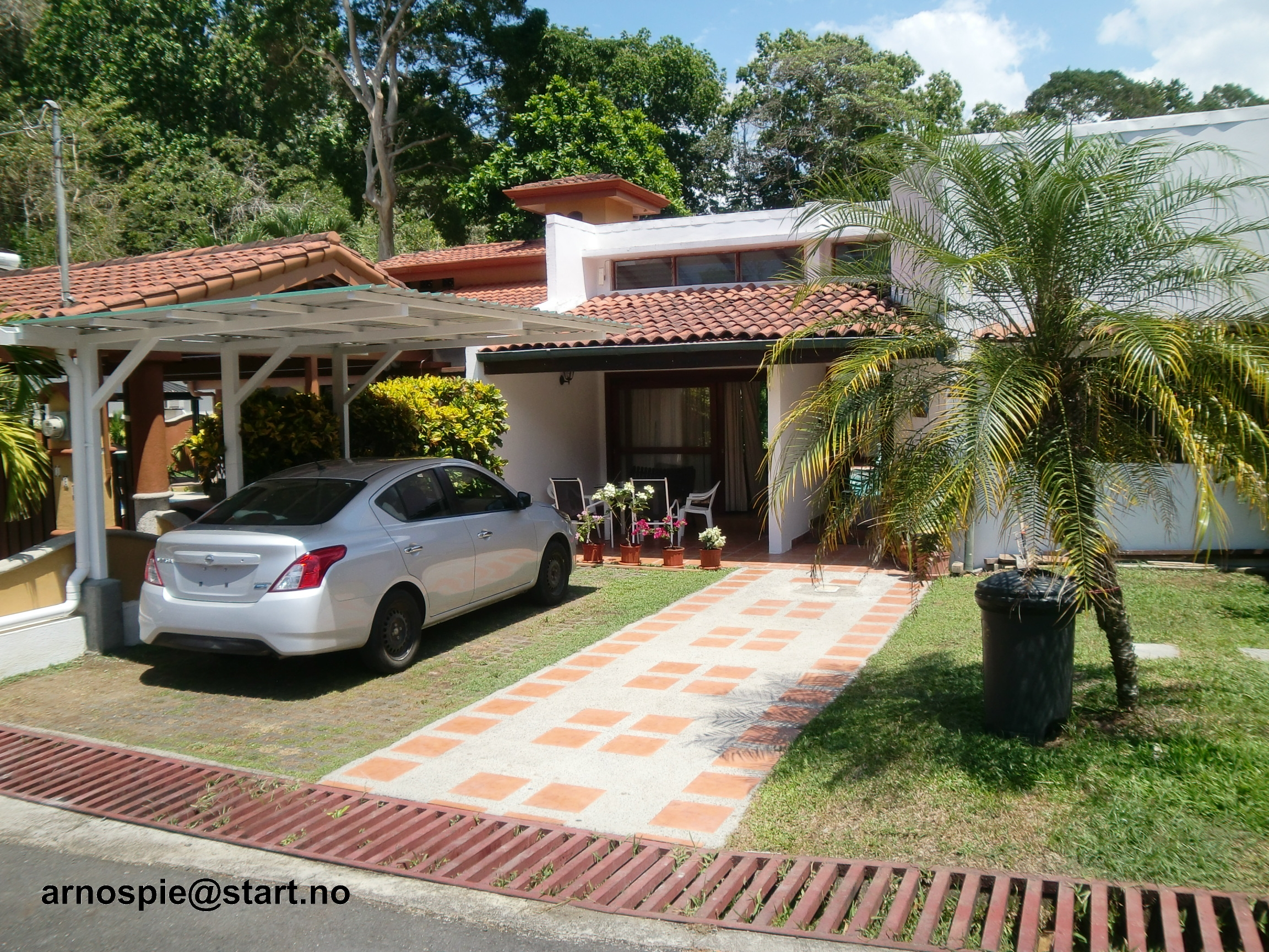 Vacation beach house with swimming pool in Punta Leona Resort, Costa Rica