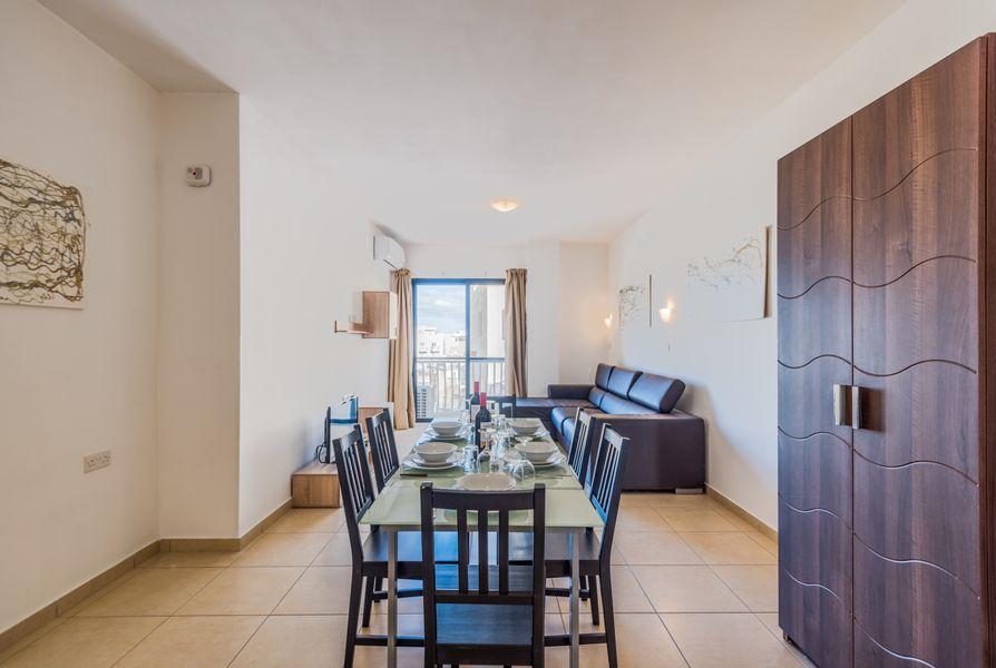 GetawaysMalta - SeaShells Apartment 11 with Terrace and Sea Views in Bugibba