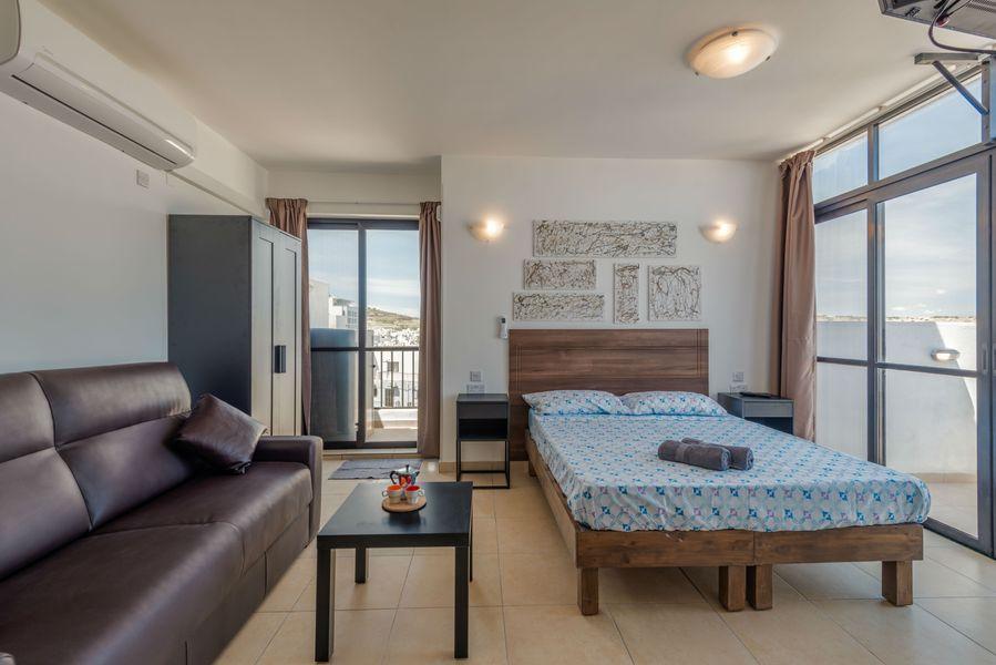 GetawaysMalta - Studio Penthouse With Seaview Terrace