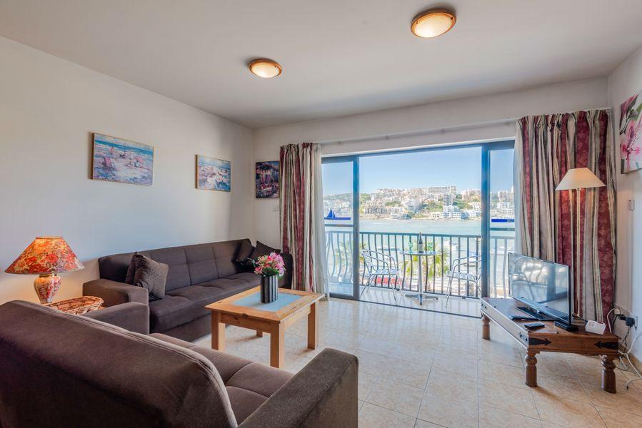 GetawaysMalta - Harbour Lights Seafront 2-bedroom Apartment in St Paul's Bay