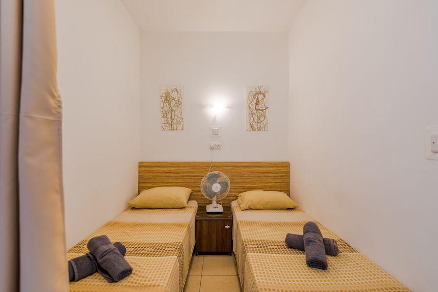 GetawaysMalta - Seashells 1-bedroom Apartment in a great location in Bugibba