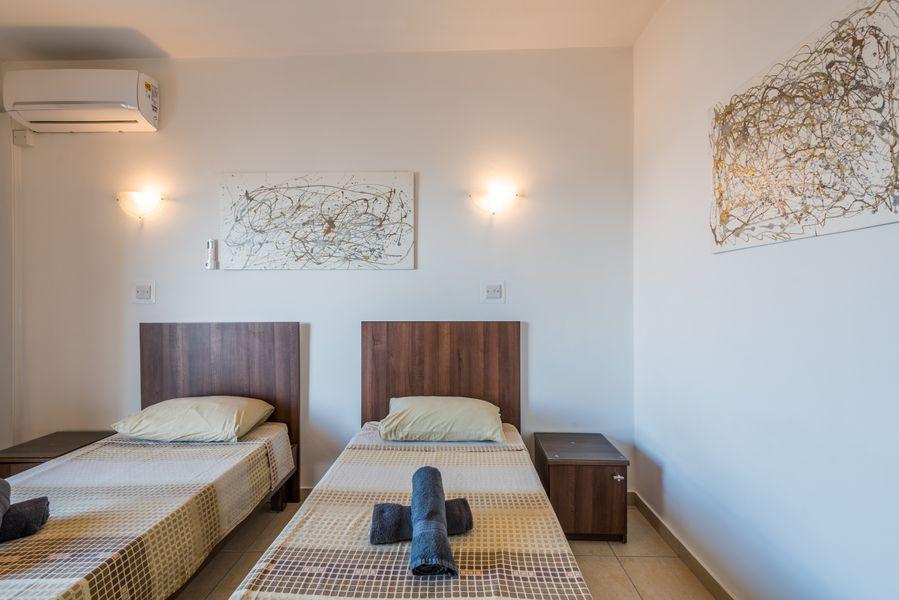 GetawaysMalta - Seashells 2-bedroom Apartment in Bugibba
