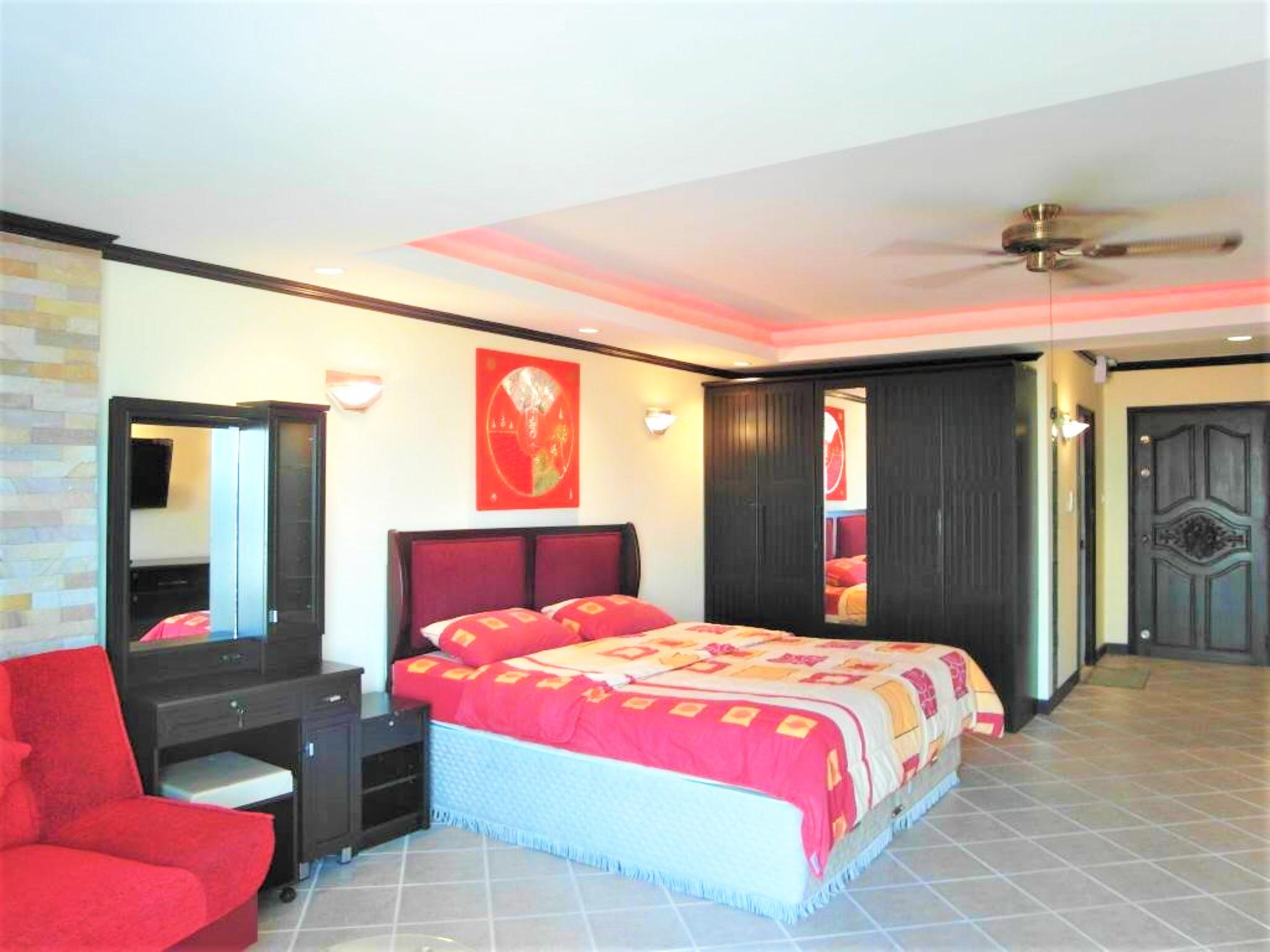 View Talay 2A Studio-Apartment im 5 Stock mit Kche im europischen Stil