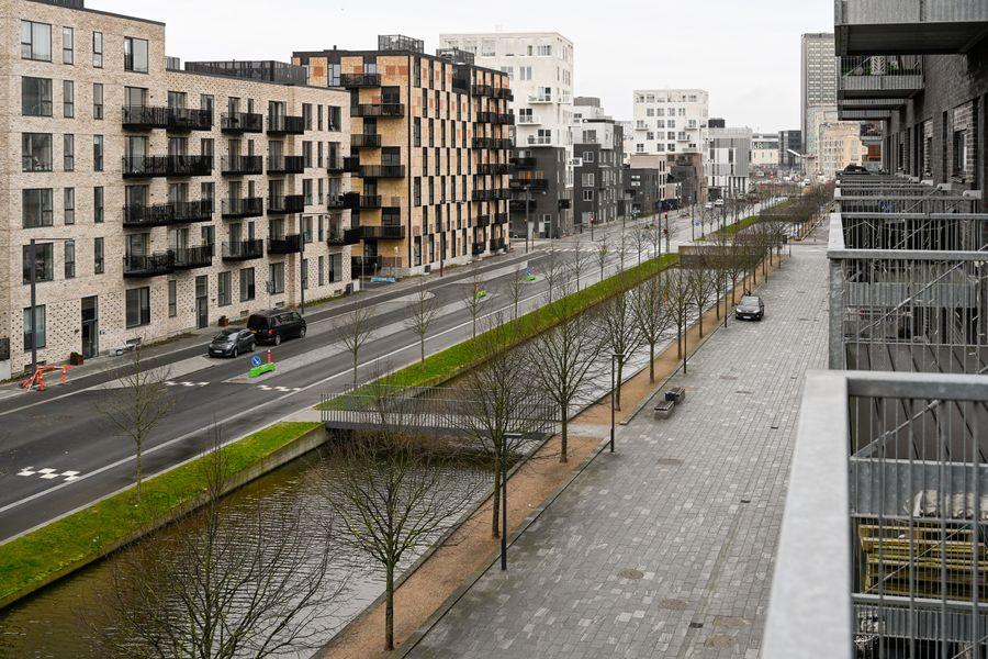 Three-bedroom Apartment with a Balcony in Copenhagen Ørestad near metro station