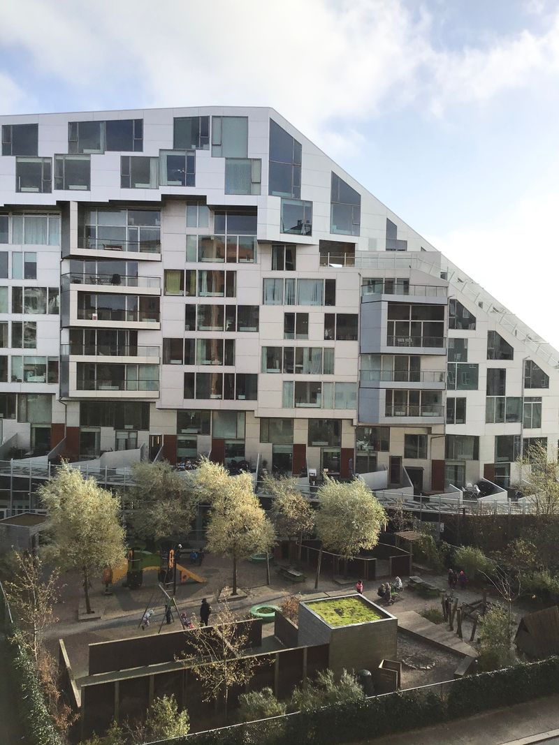 Modern One-bedroom Apartment with a Balcony in Copenhagen Ørestad