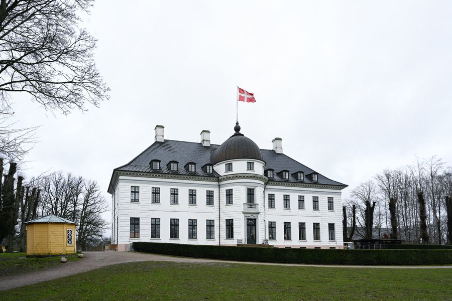 Newly-renovated 2-bedroom apartment in Charlottenlund