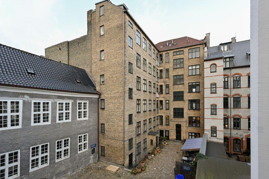 Lovely 1-bedroom apartment in the 18th century bulding in downtown Copenhagen
