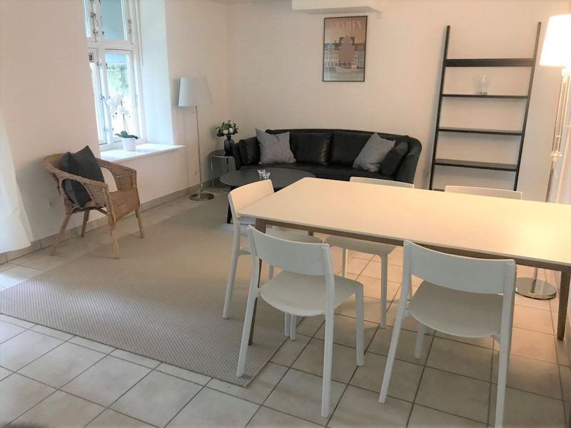 Cozy 2-Bedroom Basement Apartment in Frederiksberg