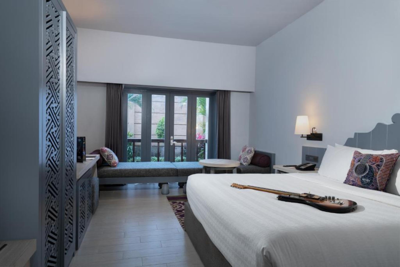 Hard Rock Hotel Bali - Geraumiges Deluxe Zimmer  in Asien und Naher Osten