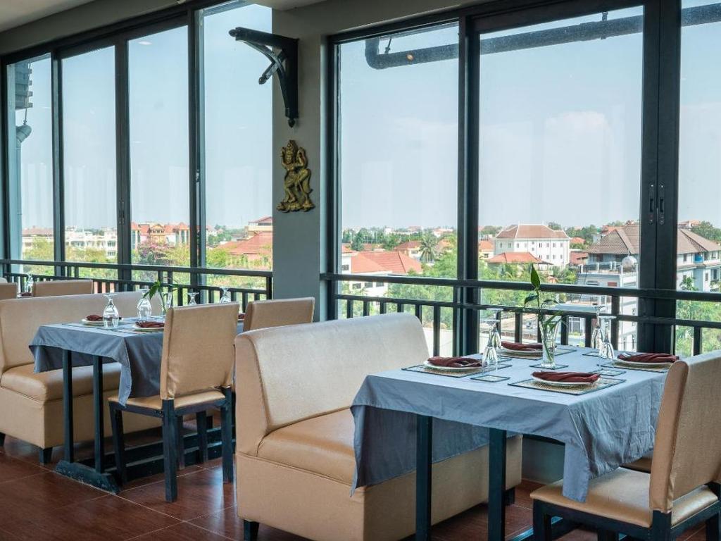 Das Hotel ist im historischen Stil von Angkor gestaltet