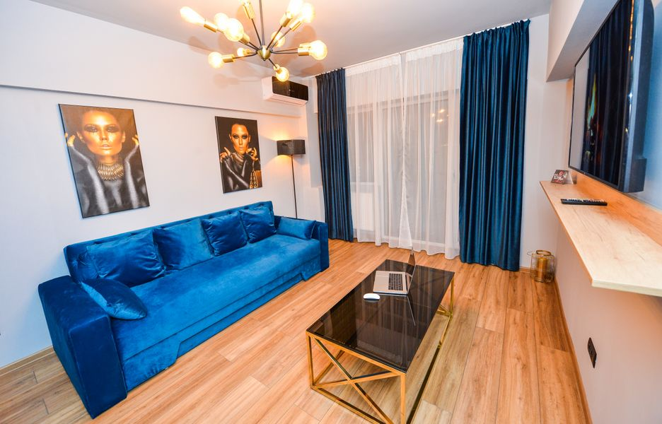 Eva Apartment - Romana Square