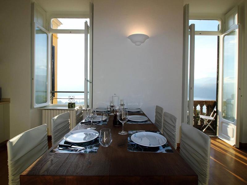 Bellavista prestigious apartment with lake view