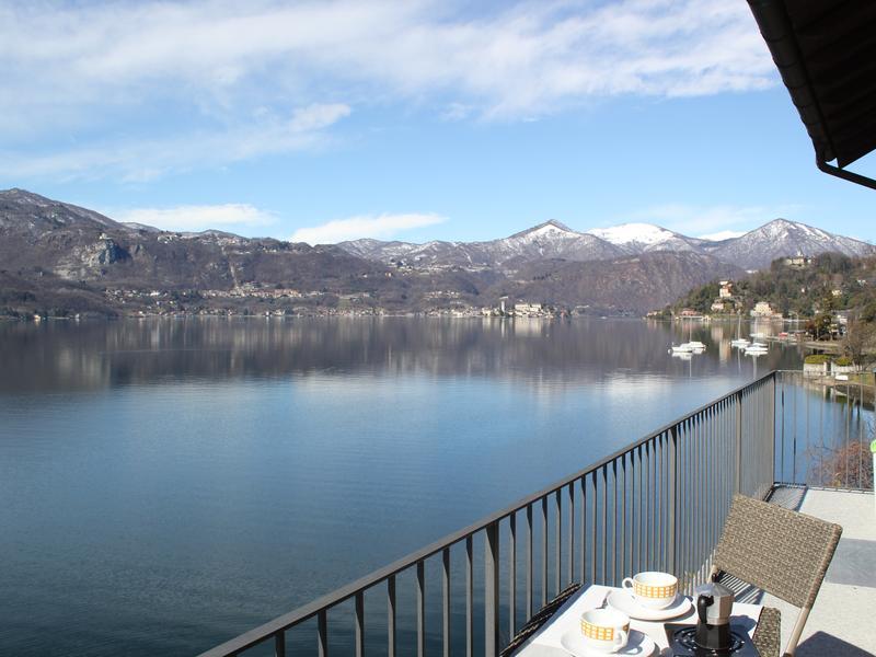 Appartamento sul lago con vista spettacolare e ingresso indipendente