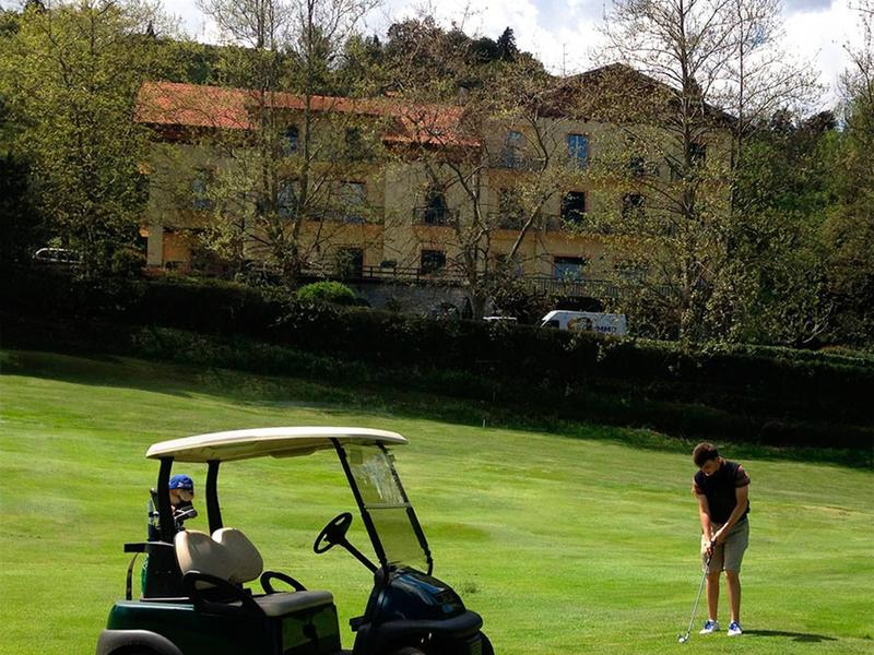 Alpeggi 2+2 vista su campo da golf