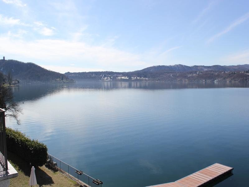 Appartamento sul lago con vista spettacolare
