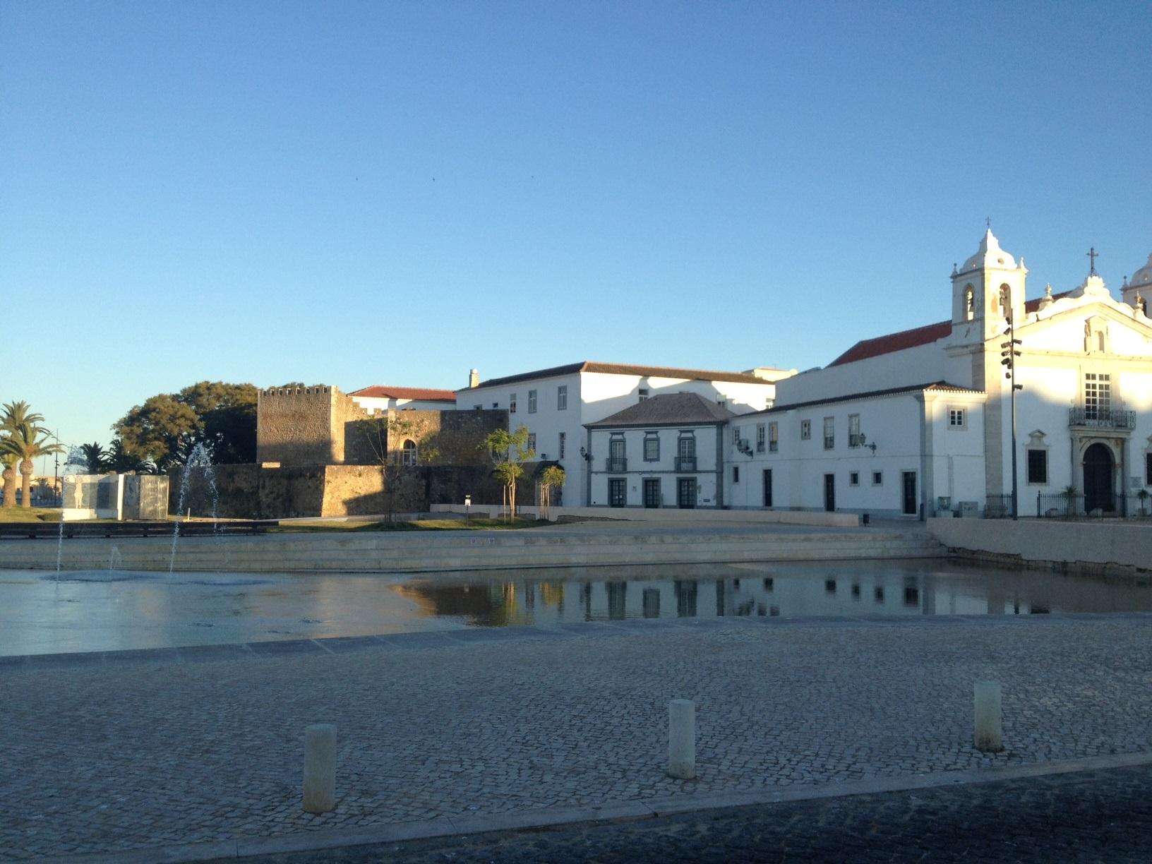 Ferienhaus Bungalow, im schönen Garten ein Pool auch für die 2 Wohnungen, sehr ruhiger Ort (2377732), Luz, , Algarve, Portugal, Bild 4
