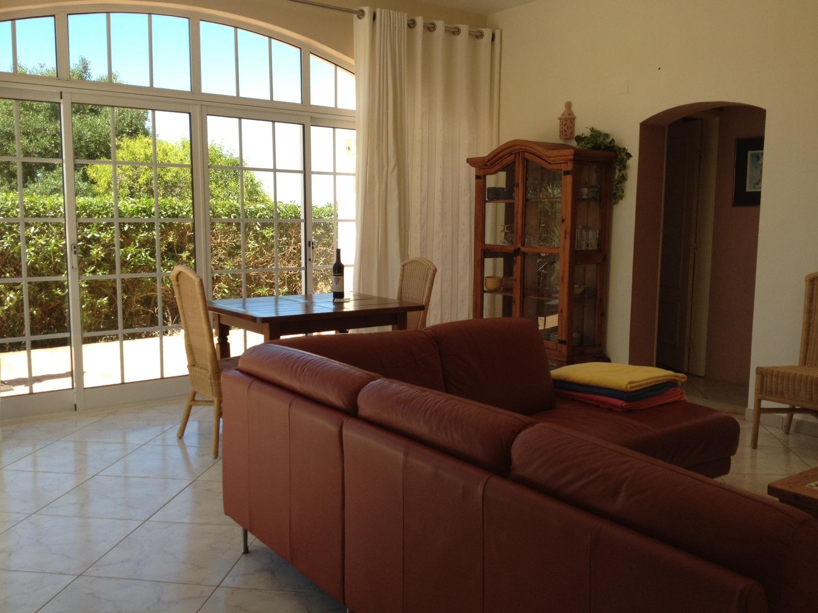 Ferienhaus Bungalow, im schönen Garten ein Pool auch für die 2 Wohnungen, sehr ruhiger Ort (2377732), Luz, , Algarve, Portugal, Bild 7
