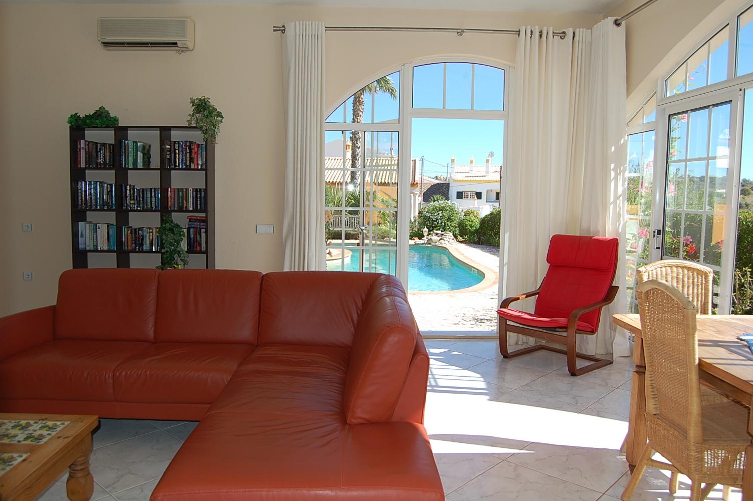 Ferienhaus Bungalow, im schönen Garten ein Pool auch für die 2 Wohnungen, sehr ruhiger Ort (2377732), Luz, , Algarve, Portugal, Bild 10