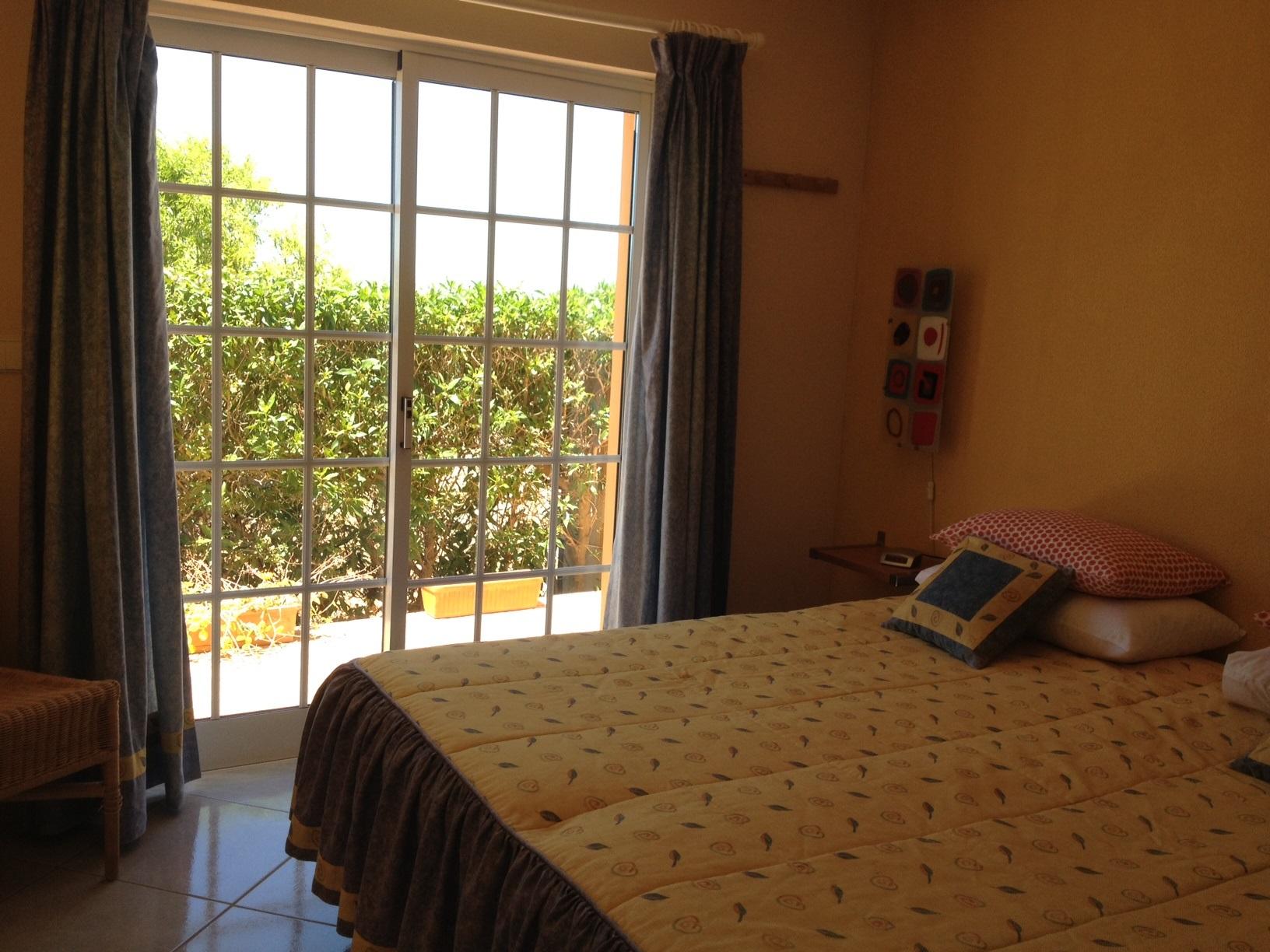 Ferienhaus Bungalow, im schönen Garten ein Pool auch für die 2 Wohnungen, sehr ruhiger Ort (2377732), Luz, , Algarve, Portugal, Bild 6