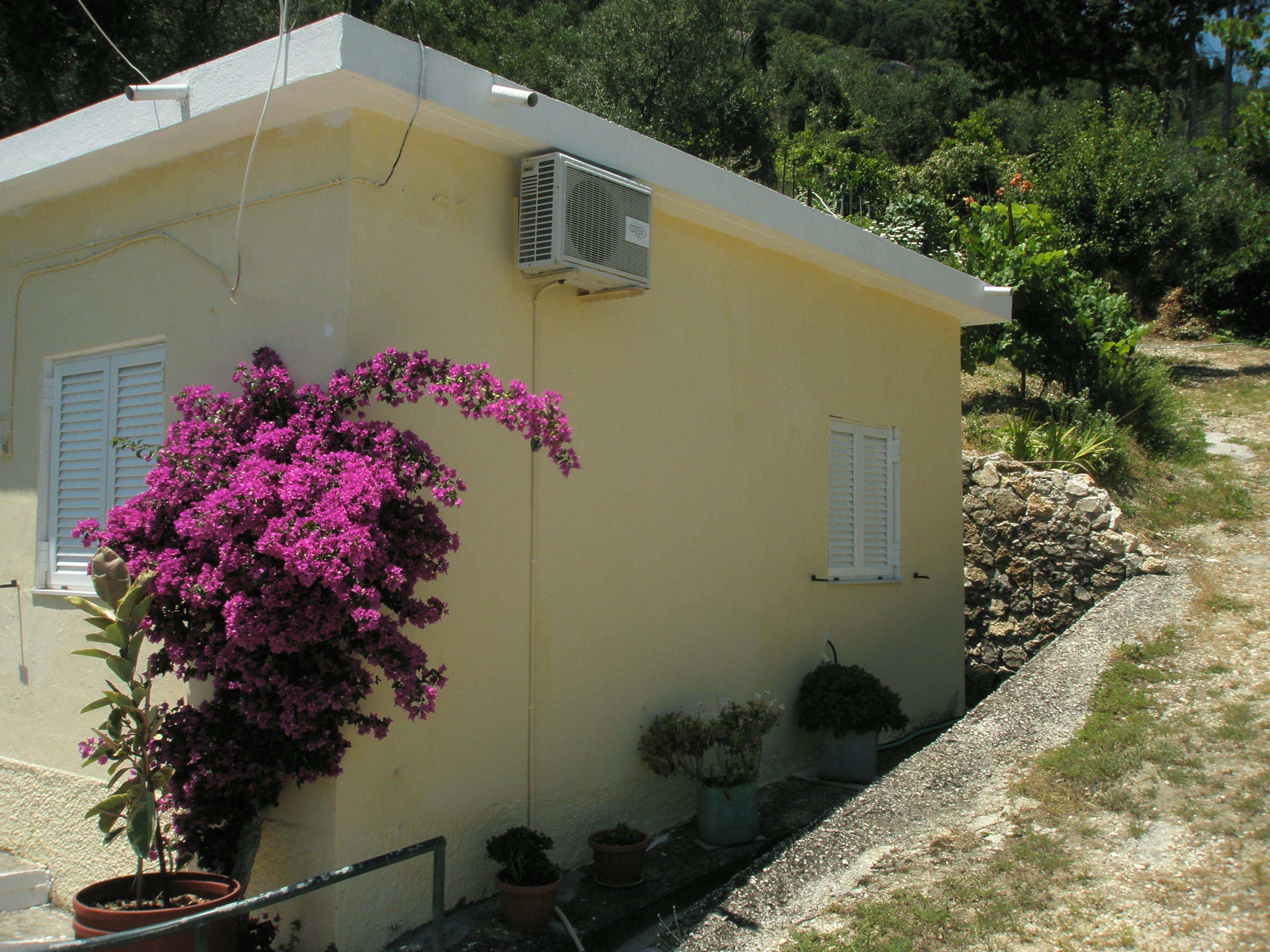 Maison de vacances Entspannte Ferien ein paar Schritte vom Meer entfernt und mit einem Gefhl der Privatsphre (2378713), Moraitika, Corfou, Iles Ioniennes, Grèce, image 2