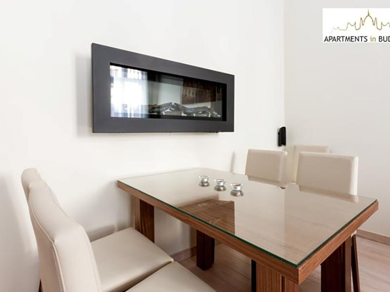 Opera Suite Apartment - fireplace, high ceiling, A/c, free Wifi, city centre