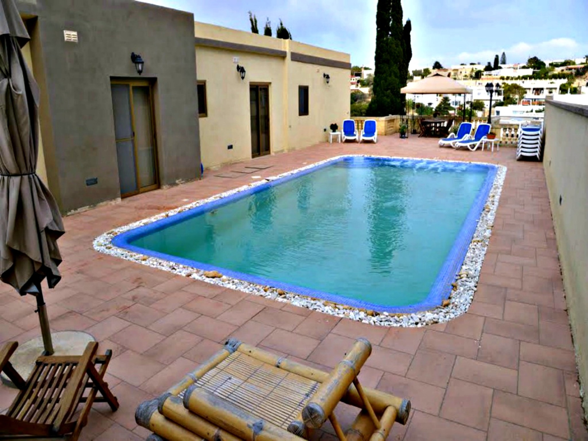 Villa in Mellieha Großer privater Pool & Whirlpool Talblick In der Nähe von Sandstrand