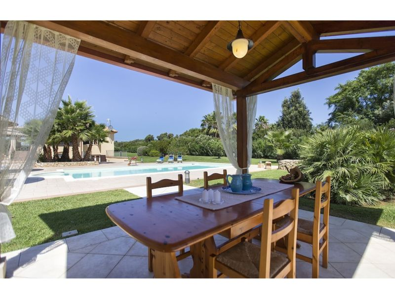 Alghero, Villa Serena with swimming pool for 8/10 people