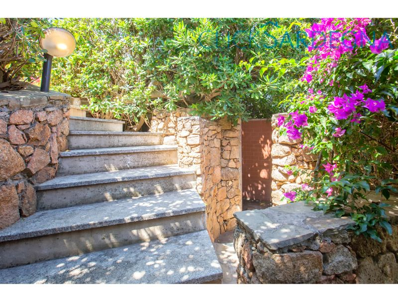 Villa Costa Corallina, with spectacular sea views right on the beach