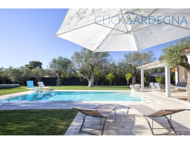 Alghero, Villa Nuit Blanche luxury and privacy with swimming pool near the beach