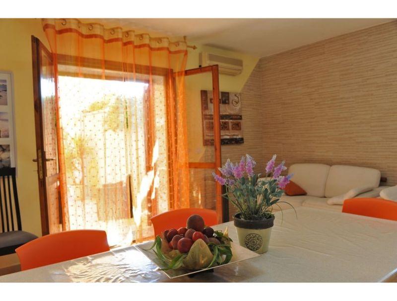 Alghero, Villa Maestrale with veranda and large garden for 10 people