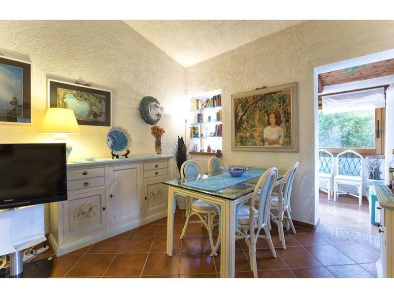 Villa Vento di Maestrale, large villa with garden close to the beaches with 4 be