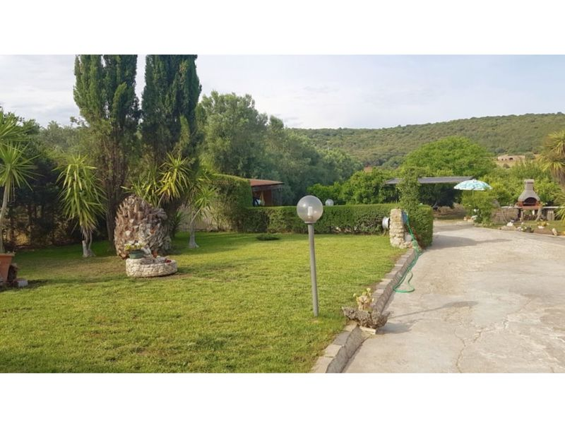 Villa Luciana with garden, very close to the sea for 7 people