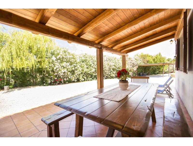 Villa Porticciolo in Alghero with large garden for 6 guests