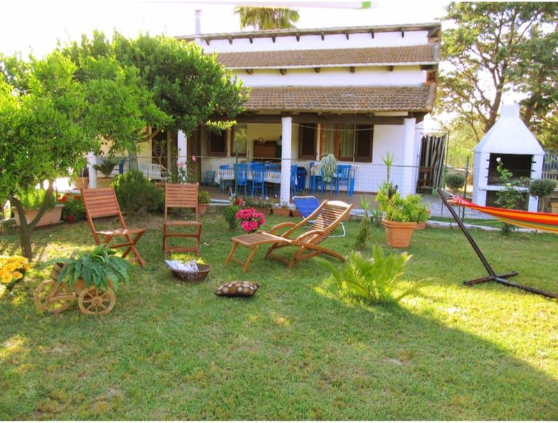Villa Angela in Alghero, surrounded by greenery, for 6/7 people