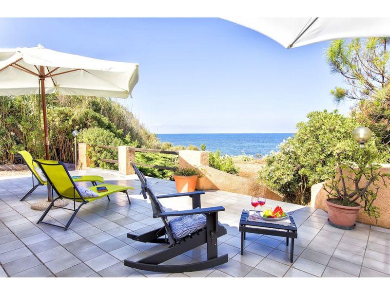 Villa Riva Mare Sorso for 6 people with garden and veranda overlooking the sea
