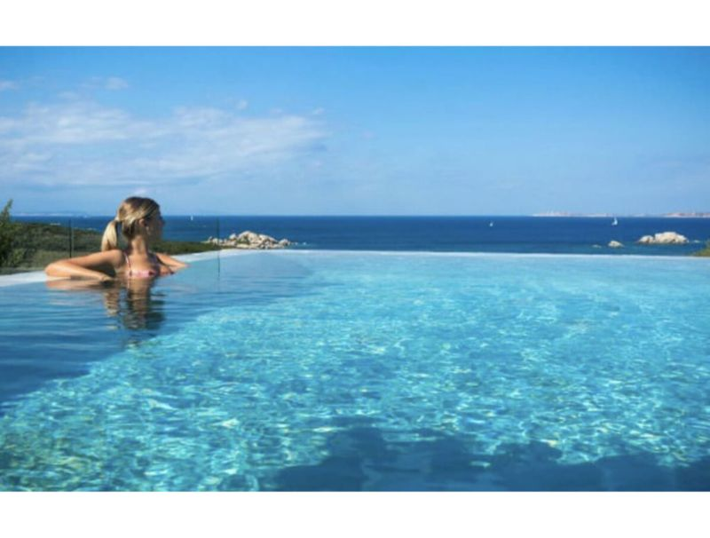 Alghero, Villa Joi de Vivre for 6 people with swimming pool overlooking the sea